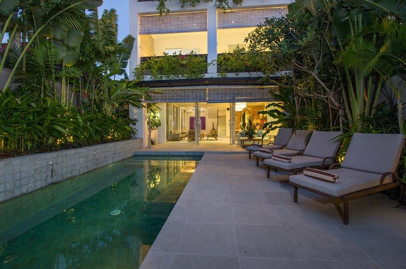 Stella, luxury 4 bed villa, A/C interior, Seminyak - Image 1 - Kerobokan - rentals