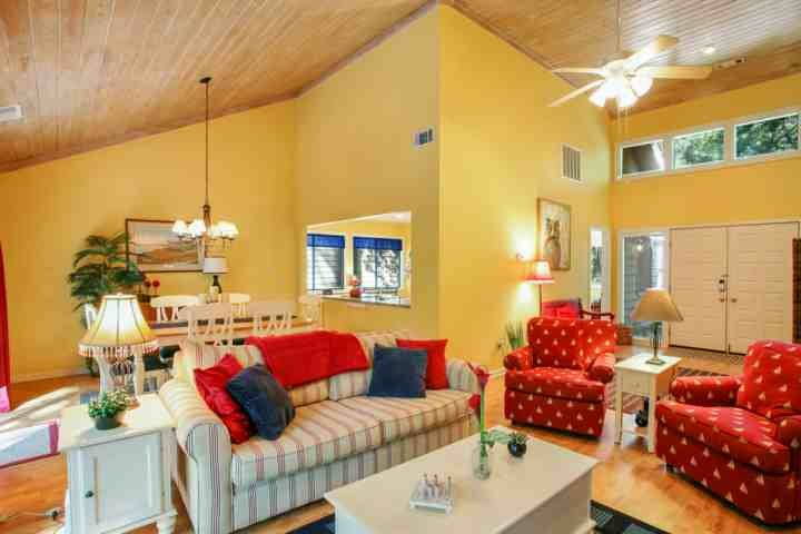 Open and spacious floor plan with washed oak cathedral ceilings - Fun & Fresh 3 BR home with private spa, community pool & tennis located in the center of Sea Pines. - Hilton Head - rentals