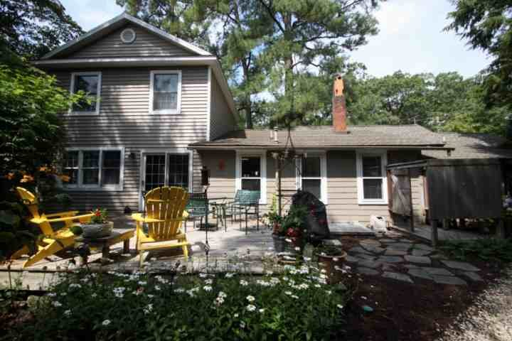 Gorgeous Rear Deck - Charming Cottage 4 Blocks to the Beach, Downtown Rehoboth with Lovely Porch and Gorgeous Rear Patio - Rehoboth Beach - rentals