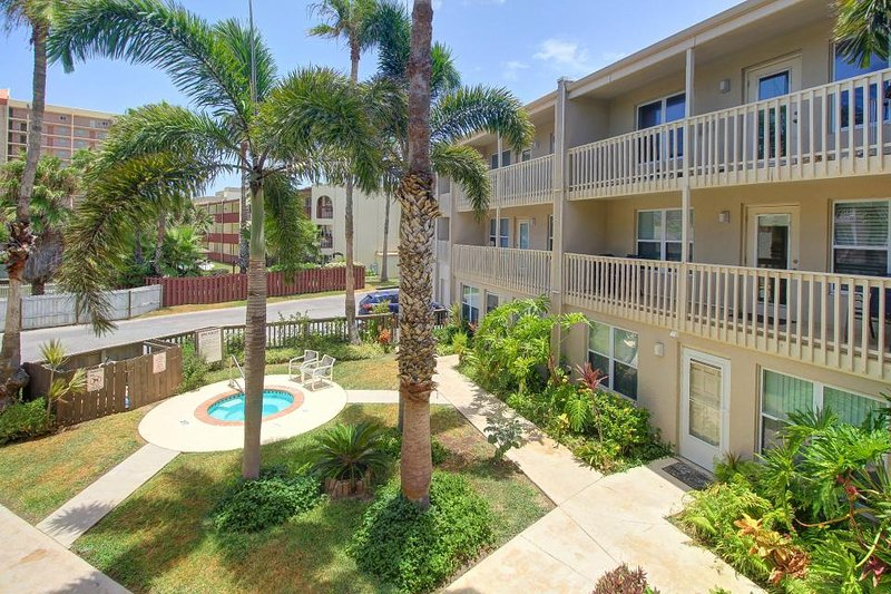 Dog-friendly condo near the beach with shared pool and hot tub! - Image 1 - South Padre Island - rentals