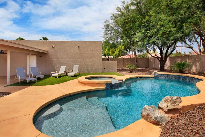 Putting Green & Heated Pool -Near Kierland Common - Image 1 - Scottsdale - rentals
