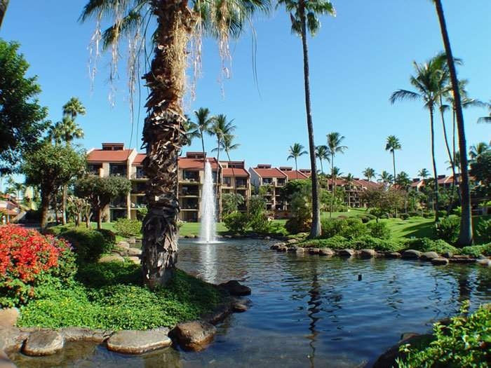 Entrance to our resort with ponds and fountains - Kamaole Sands 1-204 - - Bldg 1 - Inner Court & Beach Kam III - 3 min walk - Kihei - rentals