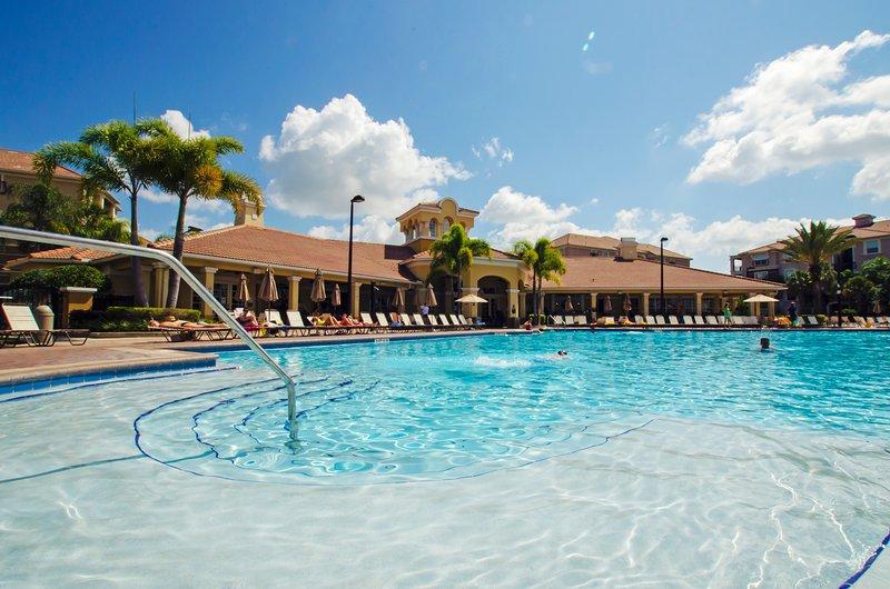 Vista Cay Lakeview Condo 3 bed/2 bath (#3078) - Image 1 - Orlando - rentals