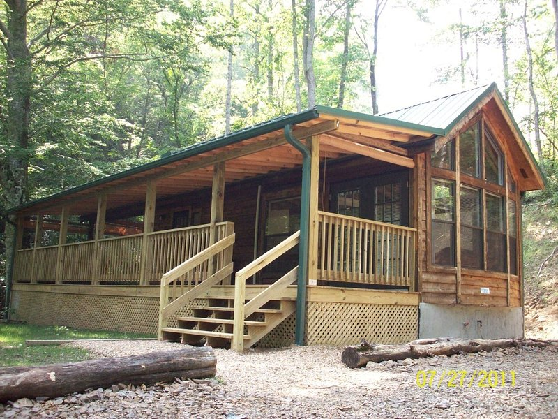 Creek Bend Cabin - Charming creek front cabin with a private hot tub! - Hot Springs - rentals