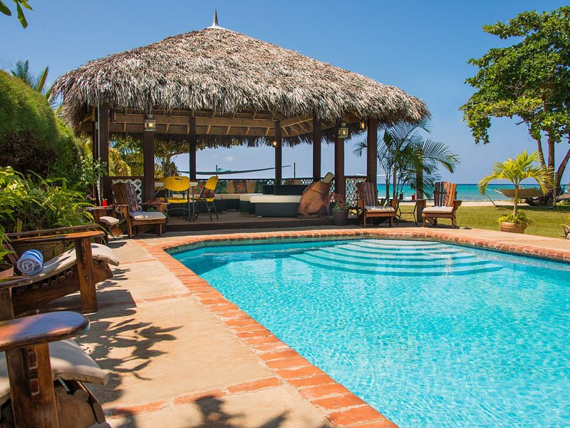 Pool and Gazebo - Sleepy Shallows - Rio Bueno 4 Bedroom Beachfront - Discovery Bay - rentals