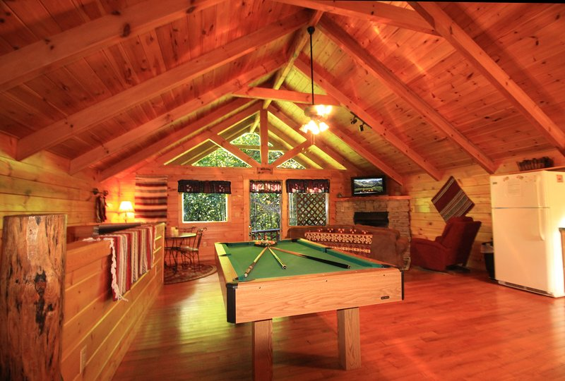 Relax and have some fun shooting pool! - Romantic and Private Getaway Honeymoon Cabin - Gatlinburg - rentals