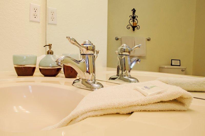 Vista Cay Standard Condo 3 bed/2 bath (#3040) - Image 1 - Orlando - rentals