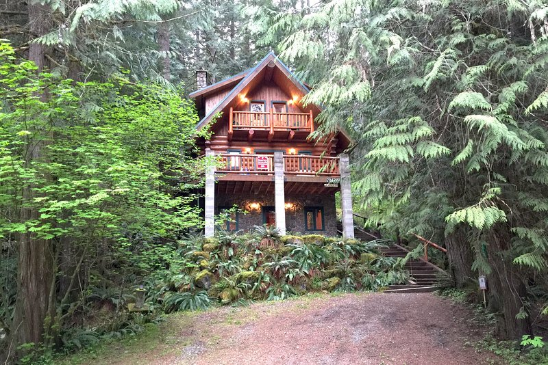 Mt. Baker Lodging Cabins and Condos at Mount Baker / Glacier.  BOOK NOW! - Mt. Baker Lodging Cabin 47 at Mount Baker! - Deming - rentals