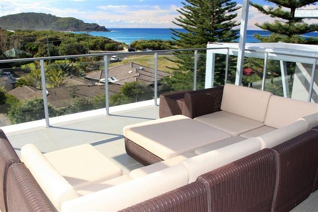 BOOMERANG BREEZE 2   -   2/7 Redgum Road Boomerang Beach - Image 1 - Blueys Beach - rentals