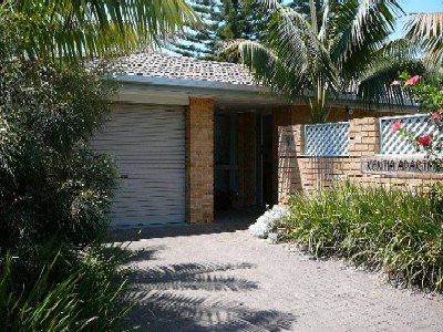 KENTIA   -   1/5 Redgum Road Boomerang Beach - Image 1 - Blueys Beach - rentals