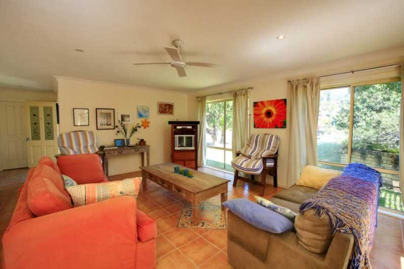 CASA BELLA  - PET FRIENDLY  1/9 Boomerang Drive Boomerang Beach - Image 1 - Elizabeth Beach - rentals