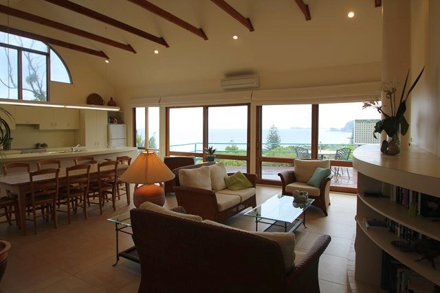 EUREKA   - 30 Headland Road Boomerang Beach - Image 1 - Blueys Beach - rentals