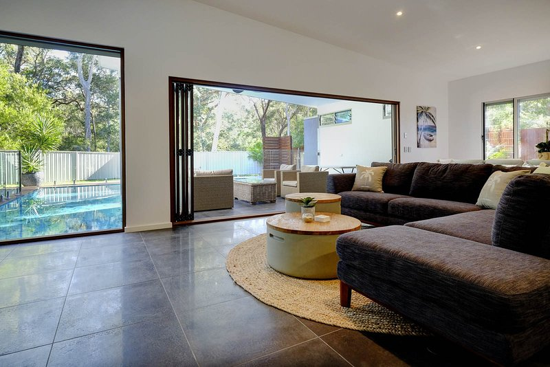 AWAY AT BOOMERANG (4 night min)   46 Belbourie Cres, Boomerang Beach - Image 1 - Blueys Beach - rentals
