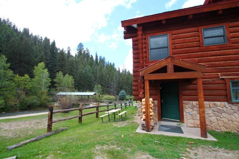 101 River Cabin - In Town, On the River, Ski In/ Ski Out, Full Kitchen, Fireplace-Wood - Image 1 - Red River - rentals