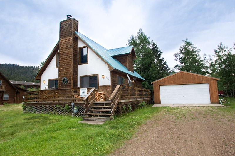 Our Red River Cabin - Private Home in Tenderfoot, Downstairs Master, Backyard, WiFi, Washer/Dryer - Image 1 - Red River - rentals