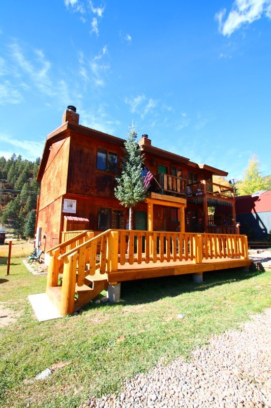 Sawmill #1 - Duplex in Town, Large Private Deck, Washer/Dryer - Image 1 - Red River - rentals