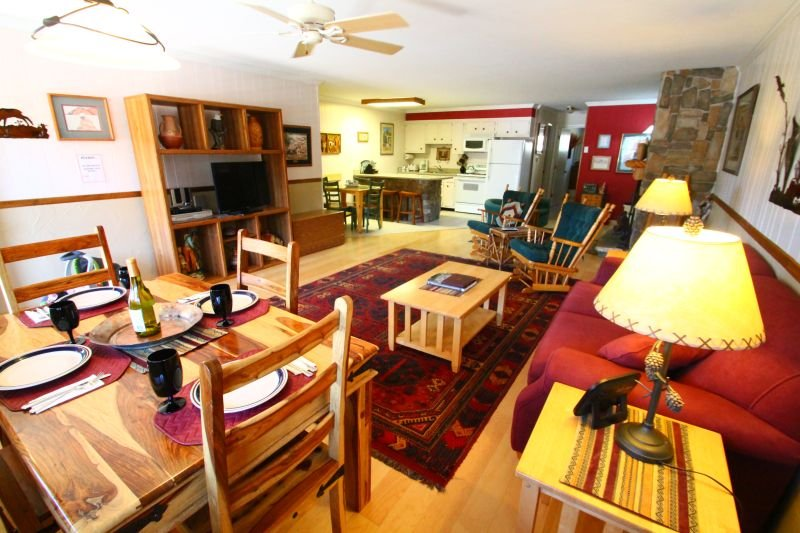Ski View Condo #11 - Ski Views!, In Town, Single Level, King Bed, WiFi, Game Room, Laundry - Image 1 - Red River - rentals