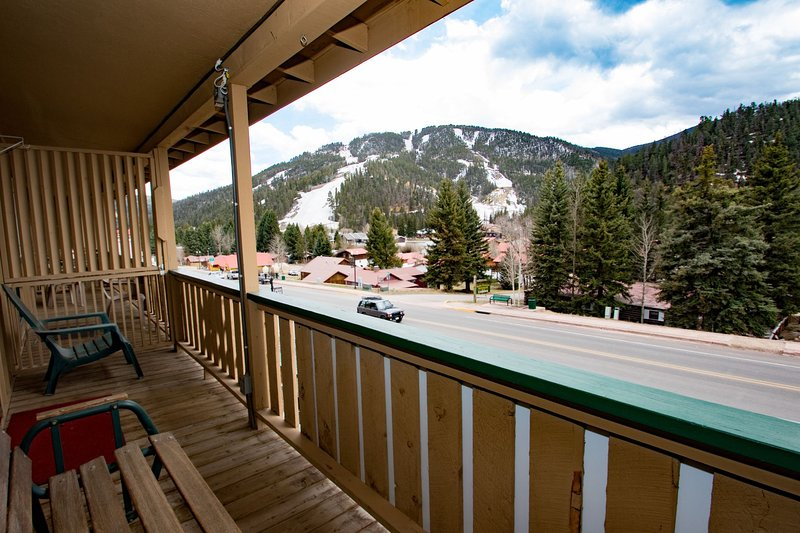 Ski View Condo #7 - Ski Views!, In Town, Private Balcony, WiFi, Game Room, Laundry - Image 1 - Red River - rentals