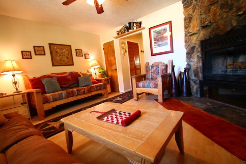 Valley Condos #126 - Corner Condo, WiFi, Fireplace-Wood, Washer/Dryer, Community Hot Tubs, Creek - Image 1 - Red River - rentals