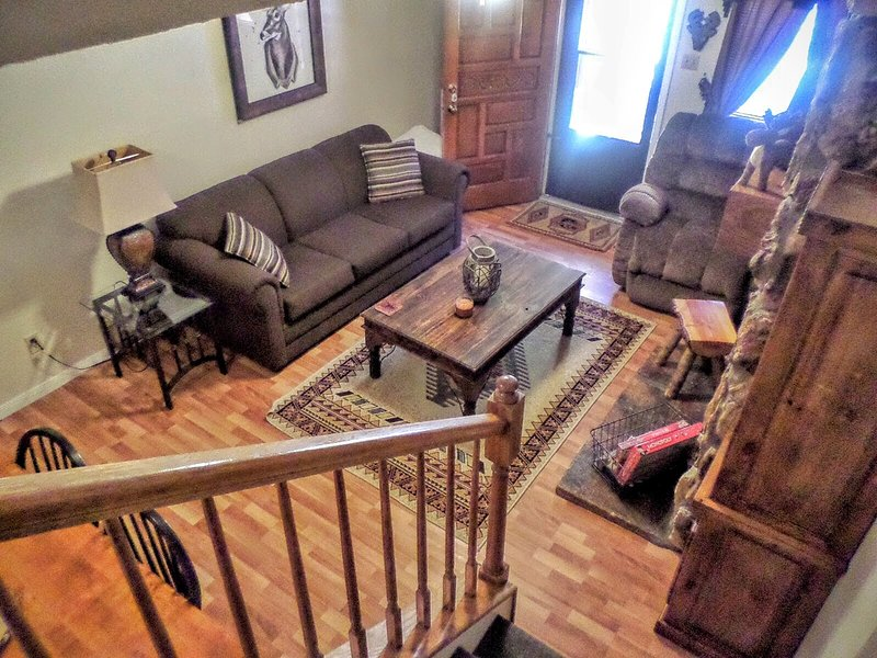 Valley Condos #104 - WiFi, Washer/Dryer, Community Hot Tubs, Playground, Creek - Image 1 - Red River - rentals