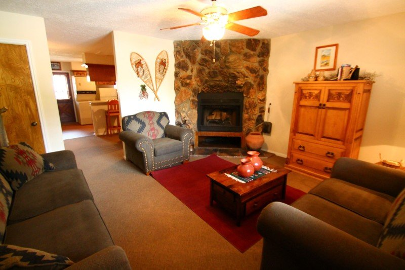 Valley Condos #124 - WiFi, Fireplace-Wood, Washer/Dryer, Community Hot Tubs, Playground, Creek - Image 1 - Red River - rentals