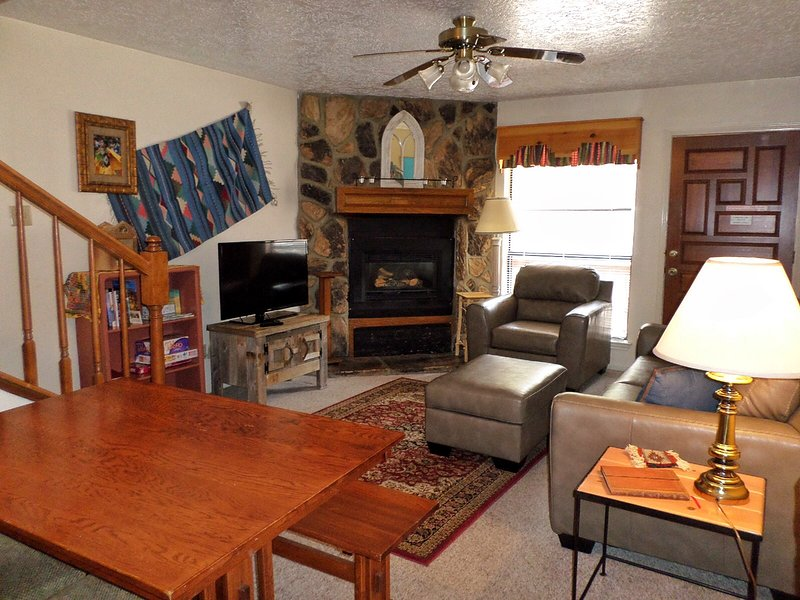 Valley Condos #103 - WiFi, Washer/Dryer, Community Hot Tubs, Playground, Creek - Image 1 - Red River - rentals