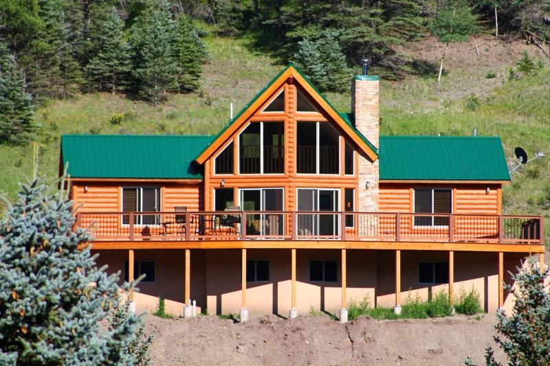 29 Valley of the Pines - Modern Cabin with Views, Hot Tub, WiFi, Satellite TV, King Bed, Garage - Image 1 - Red River - rentals