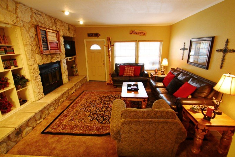 Claim Jumper Townhouse #9 - Ski In/Out, On the River, Next to Pond, WiFi, King Beds, Pets Considered - Image 1 - Red River - rentals