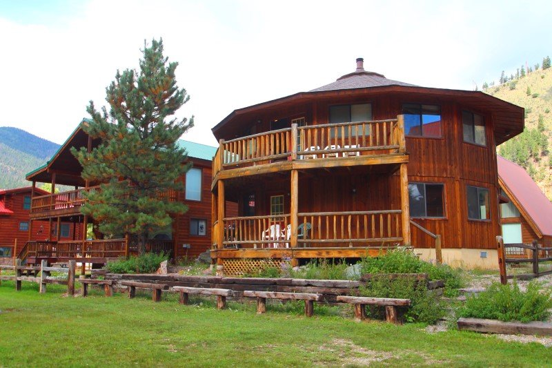 Round Eagle - Unique Home on the River, Ski In/Out, Wrap-around Deck, Washer/Dryer, King Beds - Image 1 - Red River - rentals