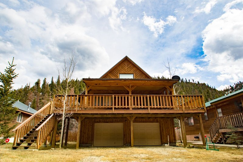 The Bunkhouse - Private Home in Tenderfoot, Covered Porch, Satellite TV, Washer/Dryer, Garage, WiFi - Image 1 - Red River - rentals