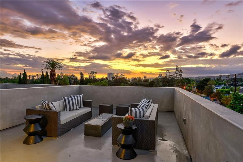 Ultra Modern Family Friendly Hollywood Townhouse - Image 1 - Los Angeles - rentals