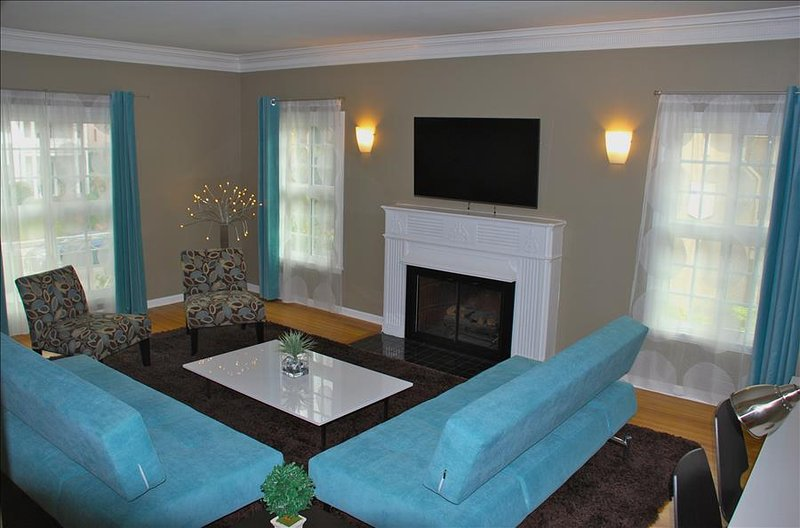 Stunning NON SMOKING Family Friendly Home By the Grove - Image 1 - Los Angeles - rentals