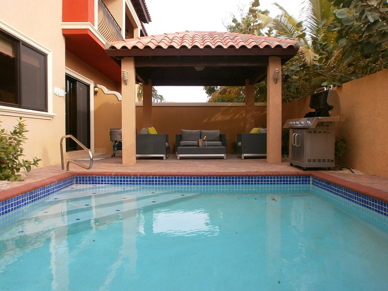 Enjoy your own private patio with BBQ grill. - Gold Coast Diamond Two-bedroom condo - GCD122A - Malmok Beach - rentals