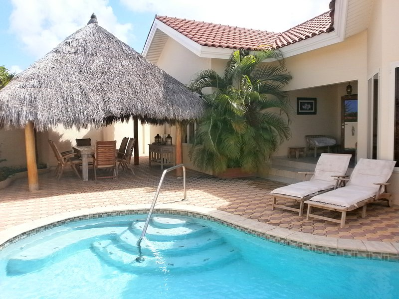 Your private outdoor area with swimming pool, BBQ grill and outdoor furniture! - Opal Jewel Four-Bedroom  villa - OJ88 - Noord - rentals