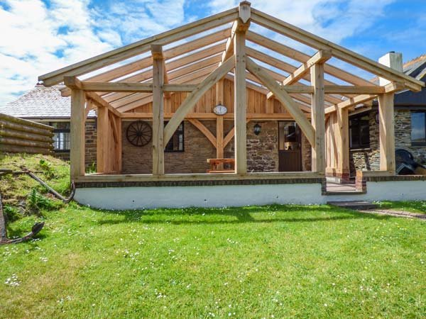 THE PIGGERY, ground floor barn conversation on farm, romantic accommodation near beaches, Newquay, Ref 933519 - Image 1 - Newquay - rentals