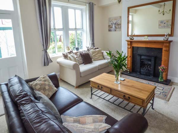 ROSE BANK, semi-detached, private garden and patio, WiFi, nr Haworth, Ref 932508 - Image 1 - Haworth - rentals