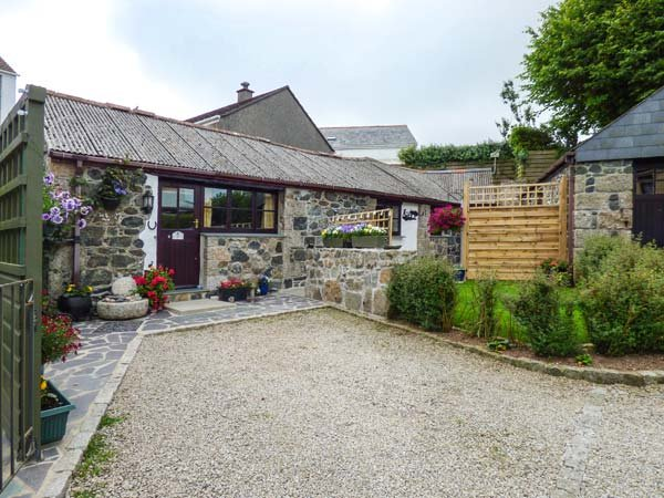 FORGET ME NOT, WiFi, all ground floor, romantic barn conversation in St Keverne, Ref 937132 - Image 1 - Saint Keverne - rentals