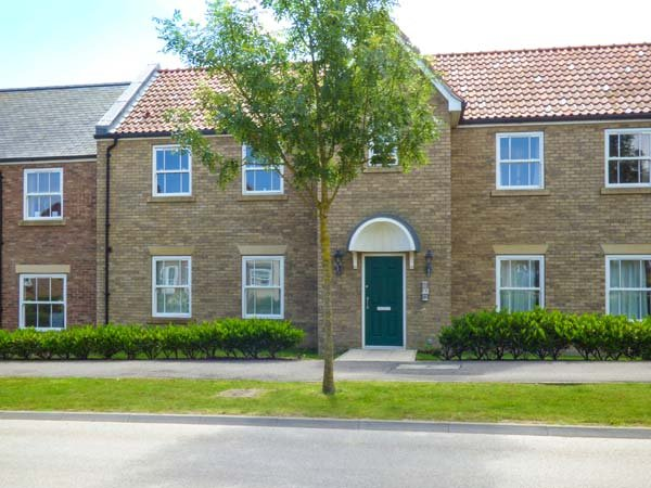 THE ESCAPE PAD, ground floor apartment, WiFi, direct access to beaches, on-site facilities, Filey, Ref 940767 - Image 1 - Filey - rentals