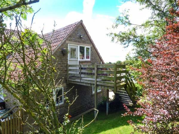 BOONHILL APARTMENT first floor apartment, open plan, en-suite, edge of North York Moors National Park, in Fadmoor Ref 940141 - Image 1 - Fadmoor - rentals