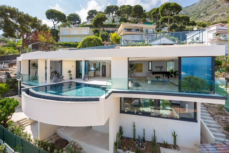 Villa Eze Big Blue Luxury villa on the French Riviera, Riviera villa for rent - Image 1 - Eze - rentals