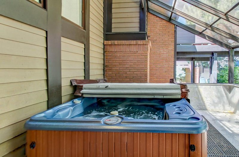 Rustic mountain escape w/ private, enclosed hot tub & gas fireplace - Image 1 - Salt Lake City - rentals