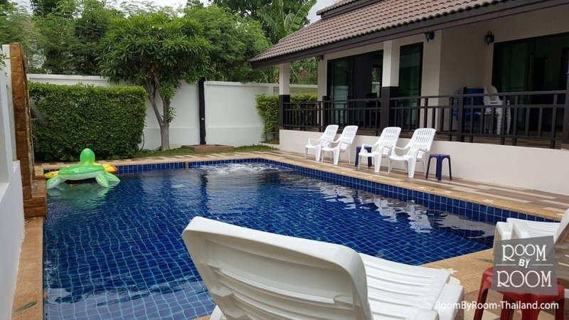 Villas for rent in Hua Hin: V6245 - Image 1 - Hua Hin - rentals