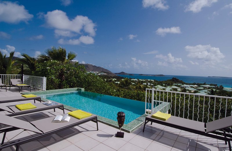 stunning, 3 bedroom villa with a spectacular location - Image 1 - Terres Basses - rentals