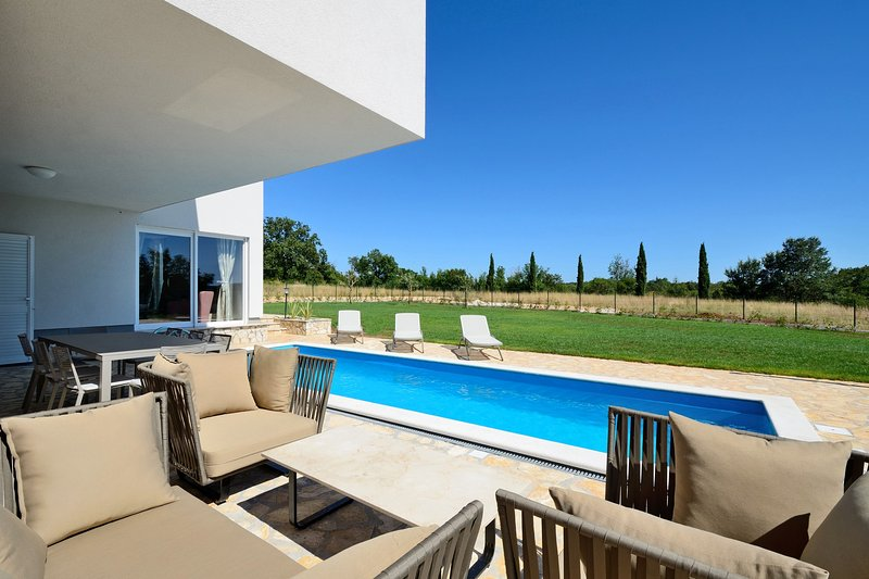 Beautiful 3 bedroom villa in a pitoresque village near Rovinj. - Image 1 - Smoljanci - rentals
