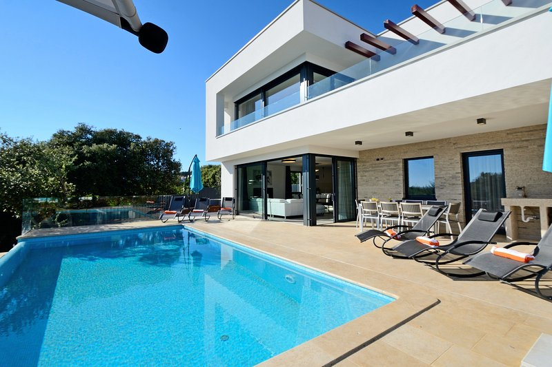 Luxury 4 bedroom villa in a unique, serene beauty town of Vrsar - Image 1 - Vrsar - rentals