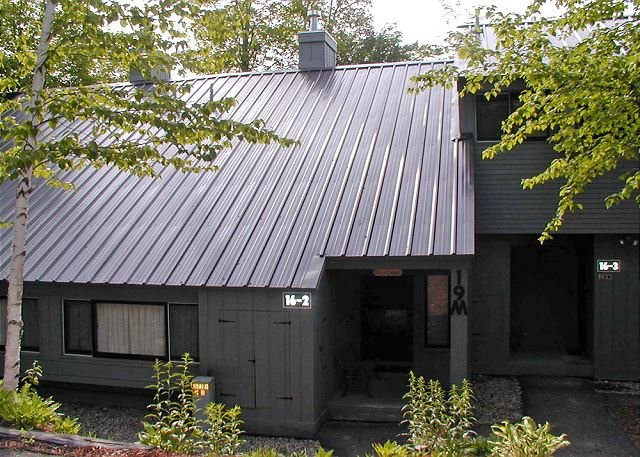 Exterior - V019M- Managed by Loon Reservation Service - NH M&R:056365/Business ID:659647 - Lincoln - rentals