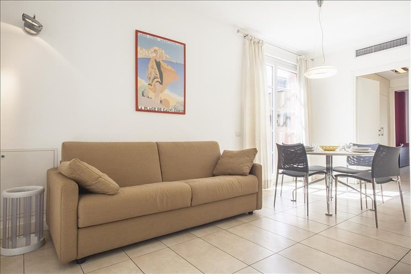 Modern 1bdr with lovely terrace - Image 1 - Milan - rentals