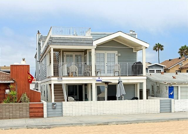 Newly Remodeled Oceanfront Patio level in Triplex! (68165) - Image 1 - Newport Beach - rentals