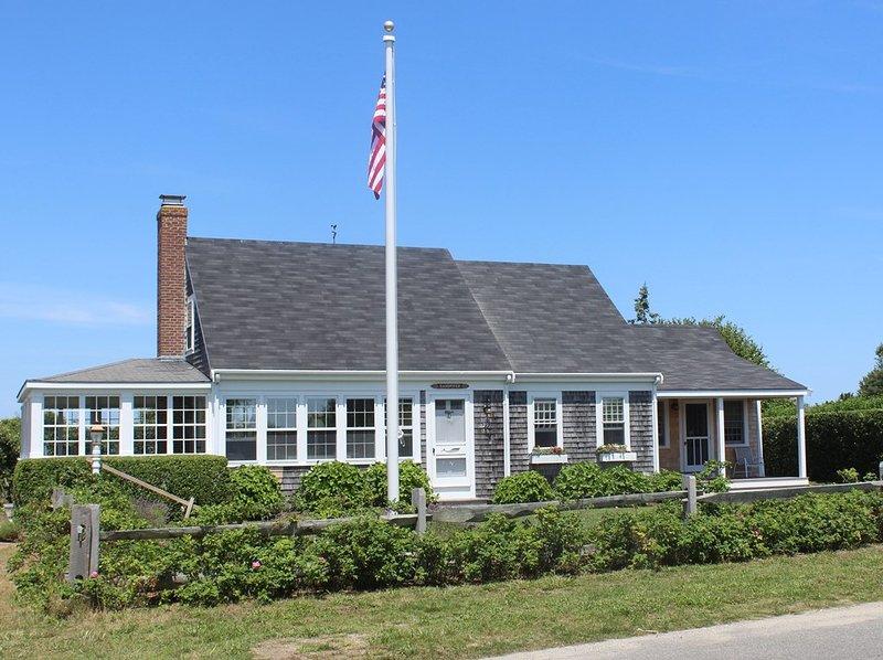 39 Low Beach Road - Image 1 - Nantucket - rentals