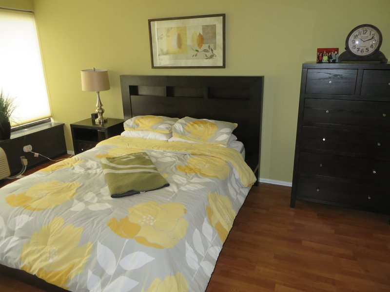 MODERN AND FURNISHED 1 BEDROOM CONDO IN CHICAGO - Image 1 - Chicago - rentals